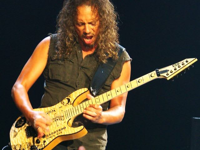 Who was Metallica's lead guitarist before Kirk Hammett?