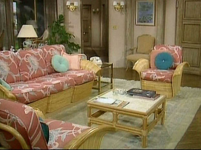 Quiz: Match The Famous Living Room To The TV Sitcom | Apartment Therapy Part 88