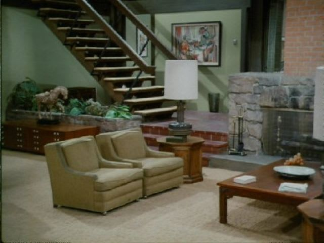 Quiz: Match the Famous Living Room to the TV Sitcom | Apartment ...