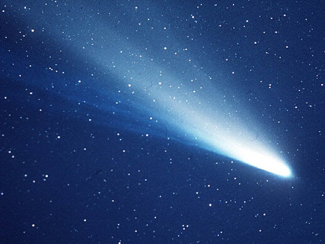 What is the nucleus of a comet made of?