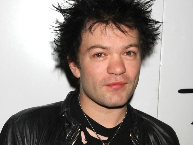 Her first husband Deryck Whibley is the singer of which band?