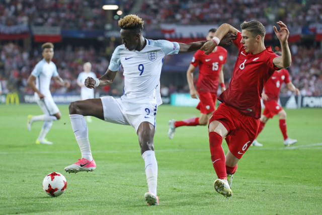Chelsea have accepted a £18m deal for striker Tammy Abraham from Wolves. The player has been on loan at Aston Villa but it has been cut short. (The Sun)
