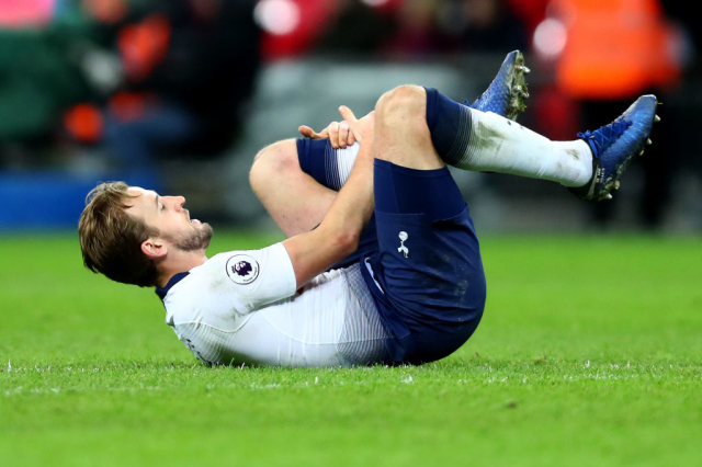 Not transfer news but Spurs are set to be without Harry Kane for a month. The England captain picked up an ankle injury in the defeat to Manchester United. (The Guardian)