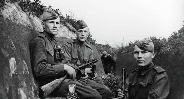 Este hecho marcó el fin de la Gran Guerra Patria que cobró la vida de 27 millones de rusos desde la invasión nazi en 1941; y el final de la Segunda Guerra Mundial en Europa.
