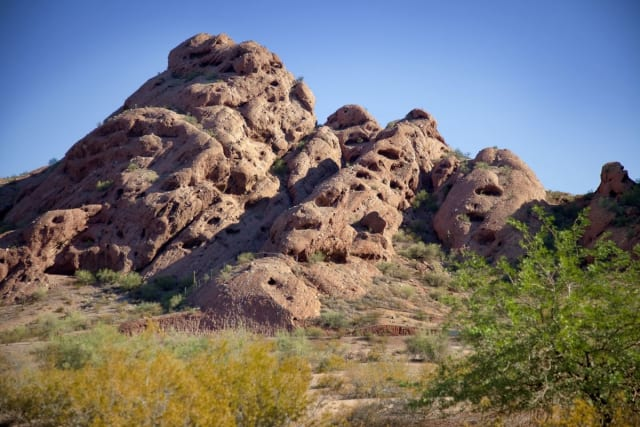 Papago Park has some pretty unique scenery. Just check out these red sandstone formations! The park's Double Butte Loop (we know, the name makes you feel like you're in middle school again) is an easy dirt trail that lets you explore two of the smaller buttes on the park. You can hike both around and inside of the buttes, creating a totally original and individual hiking experience!