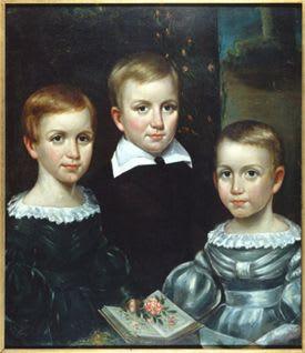 Su vida es muy misteriosa, este es el único retrato familiar en el que aparece. Ella es la niña de la izquierda: en su mano tiene un libro y unas flores. Sus dos más grandes pasiones.