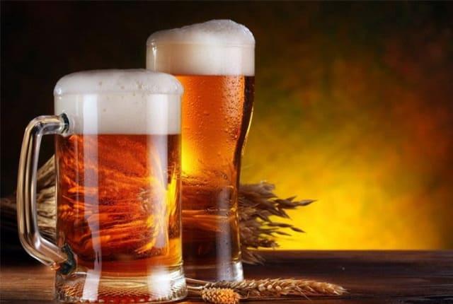 Пиво является очень полезным напитком, если его пить не более 500 грамм в день. Это отличное желчегонное средство, которое содействует обмену веществ в организме, а также отлично подходит после похмелья.