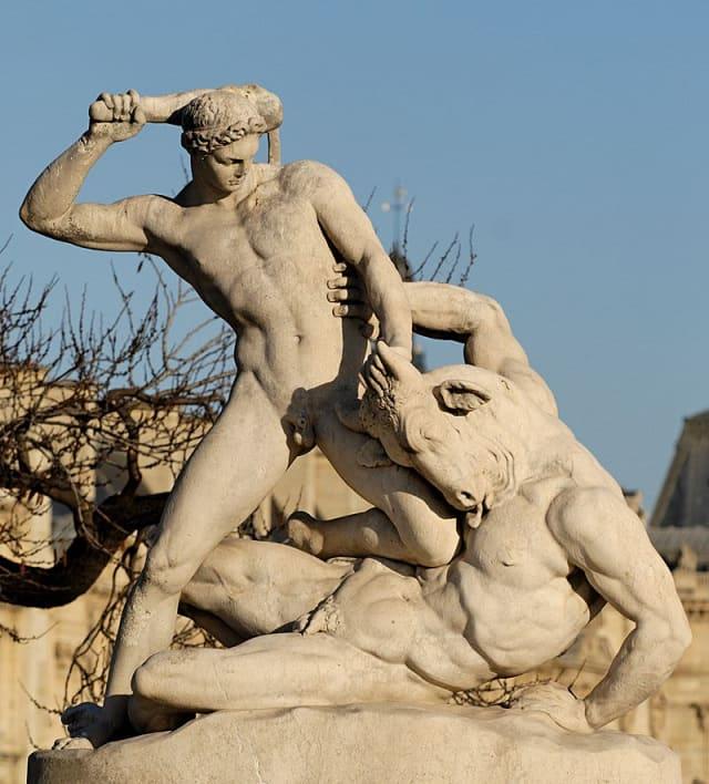 Teseus lutando contra o Minotauro, escultura por Étienne-Jules Ramey,1826