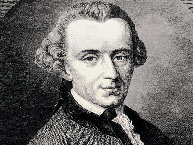 Immanuel Kant (1724-1804) fue uno de los filósofos más importantes de la era de la Ilustración. Se le considera una de las mentes más brillantes de Europa. Su pensamiento está influenciado por Edmund Burke y sus ideas sobre lo sublime y bello de la vida. Era un hombre misterioso, amante de la sabiduría y de las relaciones sociales, justamente por su extroversión y su talento con las masas, se dedicó a estudiar qué actitudes podían mejorar el mundo, con base en la moral, la lógica y la ética.