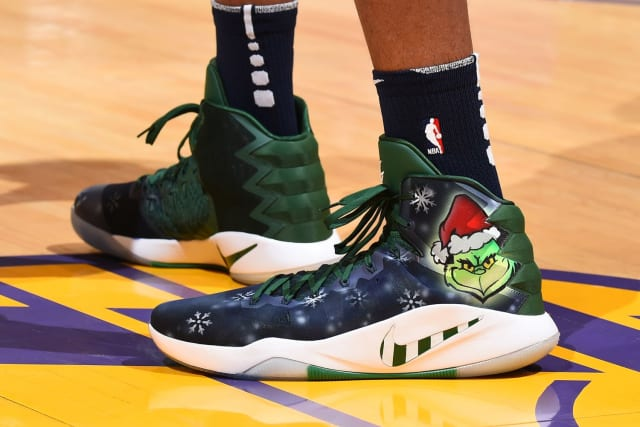 4b06b3328a0ccb NBA -- Which player had the best sneakers on Christmas Day
