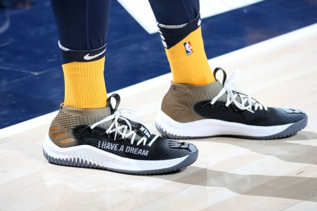 c1432e0ca56f72 NBA -- Which player had the best sneakers in Week 14