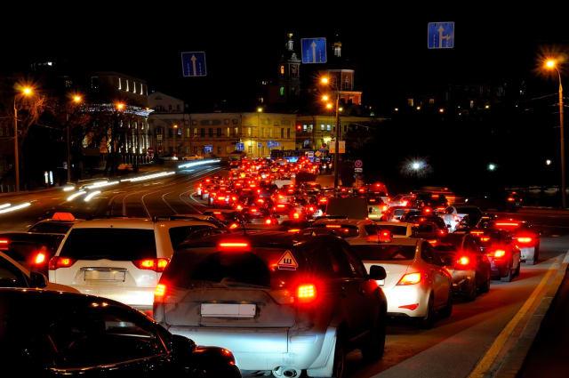 A Moscou, en Russie, les automobilistes sont restés 91 heures en moyenne, dans les embouteillages en 2017, soit 26 % de leur temps total de conduite. Les usagers new-yorkais (Etats-Unis) connaissent le même calvaire puisqu'ils ont passé le même nombre d'heures dans les bouchons. Toutefois, cela ne représente que 13 % de leur temps de conduite.