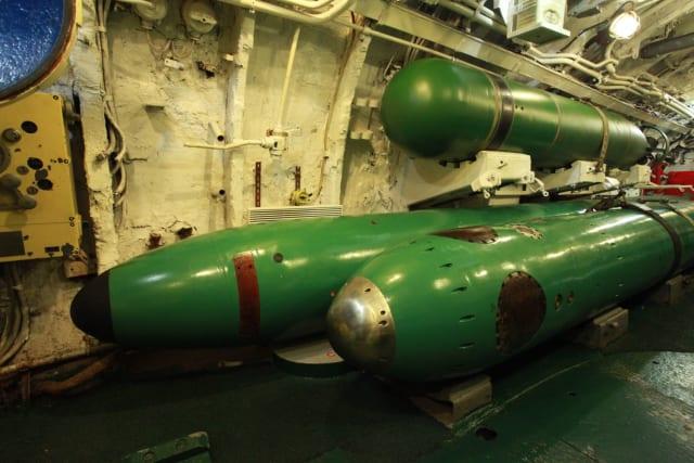 """טילי טורפדו בצוללות רוסית. מפתחים גם טורפדו דמוי מל""""ט"""