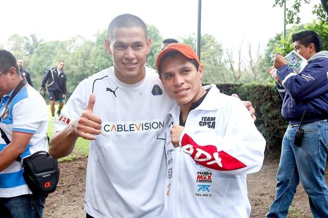 El boxeador mexicano es un ferviente aficionado a los Pumas, al punto que ha acudido a los entrenamiento del equipo para desearles suerte en partidos importantes.