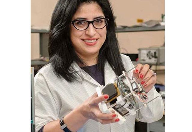 La ingeniera aeroespacial, que trabaja en el Centro Ames en Sillicon Valley de la NASA, forma parte del equipo de la Universidad Estatal de San José y actualmente está desarrollando un prototipo para llevar la realidad virtual al Espacio.