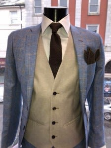 Mark the change in season by injecting some fun and personality into your suits with a new pattern on your suit. Here at Cuba Clothing, we love plaids, checks and stripes. However, when it comes to patterns, sometimes it's important to keep things simple. In Spring, a solid, non-solid men's suit looks great. These come in solid colours but sometimes contain subtle patterns woven into the fabric, which we love! As we progress into the brighter evenings, get more adventurous with your patterns! For something on-trend, think plaid and check. These can be worn often without getting boring, plus they can be worn alone for that sharp sports coat look.
