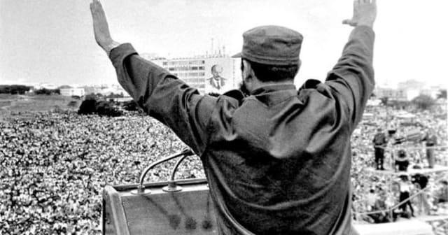 """""""Lo que no pueden perdonarnos los imperialistas es que estemos aquí, lo que no pueden perdonarnos los imperialistas es la dignidad, la entereza, el valor, la firmeza ideológica, el espíritu de sacrificio y el espíritu revolucionario del pueblo de Cuba""""."""