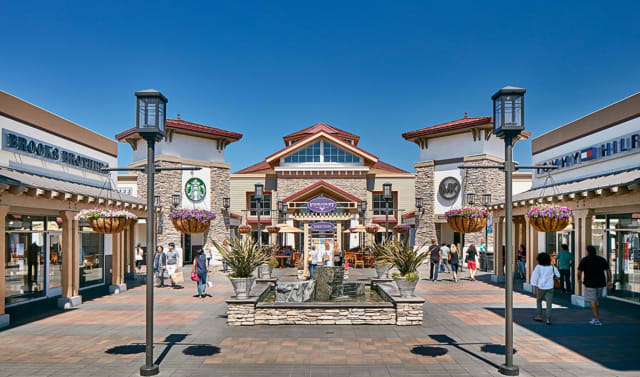 1600 Premium Outlets Boulevard, Norfolk, VA 23502 https://www.facebook.com/NorfolkPremiumOutlets