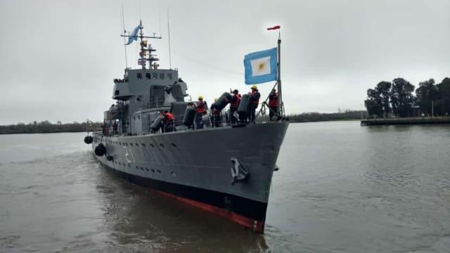 Este buque patrullero de la Armada Argentina fue construido por Astillero Río Santiago en la década del 40. Aquí se lo ve regresando de una prueba de 10 días.