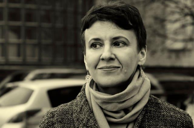 Одна з ключових і найбільш відомих особистостей у сучасній українській літературі. Всі книги Оксани Забужко в тій чи іншій мірі зачіпають важливі соціально-політичні питання країни в цілому і життя кожного конкретного індивідуума конкретно. Цю українську письменницю добре знають у світі, а її роботи перекладені 20 мовами світу.