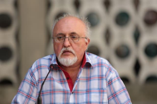 """Сучасний український письменник, редактор літературних антологій, відомий блогер і політичний оглядач.Автор романів «Мальва Ланда», «Весняні ігри восінніх садах», """"Аптекар"""" та багатьох інших"""
