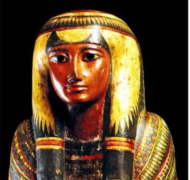 Con más de 700 piezas , la colección de arqueología egipcia del Museo Nacional estaba considerada la más grande de América Latina y la más antigua del continente. Además de numerosas momias humanas, el museo conservaba también una pequeña colección de momias de animales (gatos, ibis, peces y cachorros de cocodrilo)