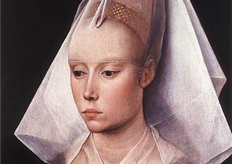 В Средневековье ценилась мертвенная бледность и худоба. Женщины часами на молитвах, паломничали пешком, постились и всячески заставляли себя казаться кем-то бестелесным. Тело было чем-то неприличным. Идеал красоты Средневековья- это худая иизможденная девушка сочень бледной кожей. Чтобы этого достичь, девушки натирали лицо лимоном и даже... пускали себе кровь! На картинах этой эпохи вы увидите много женских портретов, на которых у девушек нет бровей - они их сбривали. Грудь тоже была не в моде, но, слава Богу, от нее не избавлялись, а просто старались скрыть под одеждой. Кстати, многие дворянки из средних веков почти не мылись. Например, Изабелла Кастильская по обету не мылась 25 лет.