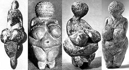 Судя по артефактам, воспроизводящим древние представления о женской красоте, в доисторический период женщина должна была иметь большую грудь и живот. Это описание подходит од образ беременной женщины, так что можно предположить, что женщина воспринималась не как что-то, чем можно восхищаться, а как производитель детей.