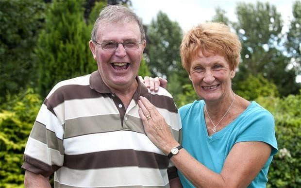 Malcolm Myatt y su esposa.