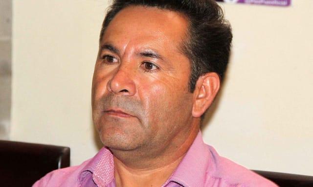 Representante del distrito 12 en Amozoc de Mota . Fue presidente auxiliar de San Salvador Chachapa y en tres ocasiones ha buscado la candidatura a la alcaldía de Amozoc.