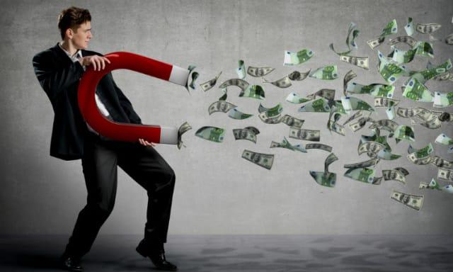 """Es un servicio que genera ganancias tanto para las empresas como para las personas que sirven de """"ojos"""", registrando todo lo que necesitan saber los emprendedores. - Empresas: la primera ganancia la obtienen por el ahorro que se genera al no tener que pagar costosos estudios de mercado. Después, logran aumentar sus ventas al ser más efectivos con sus públicos de interés. - """"Ojos"""": estas personas registran productos habituales del mercado, como los que se encuentran comúnmente en los supermercados. Se pagan tarifas de acuerdo a los paquetes de información que se necesiten y se envíen."""
