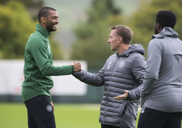 Celtic defender Marvin Compper has begged manager Brendan Rodgers to give him a chance to play. (via Scottish Sun)