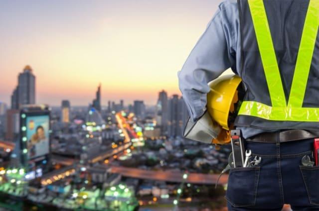 """Тэгш хэмийг мэдэрч чадсан барилгын инженер бол """"үнэ цэнэтэй тоглогч"""". Чадвартай инженерийн ажлын нөхцөл ч дээд зэргийнх. Барилга бүрт онцлог, давуу талыг шингээх болсон энэ цаг үед тэдний үнэлэмж буурахгүй байна."""