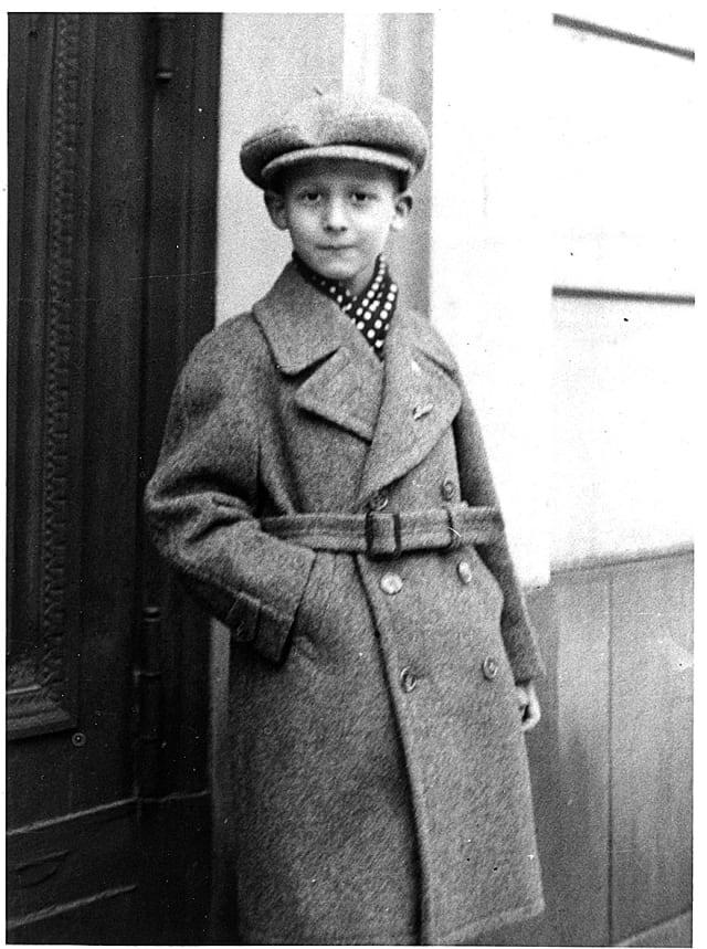 """הנרי פונד בילדותו. צילום: באדיבות ארכיון צילומים """"יד ושם"""""""