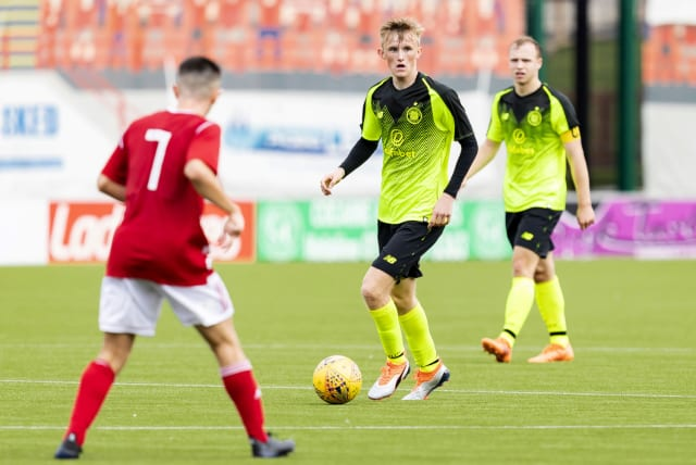 Ewan Henderson has rejected a new contract by Celtic. The younger brother of former Hoops midfielder Liam, is free to speak to clubs next month which his deal ending at the end of the season. (Various)