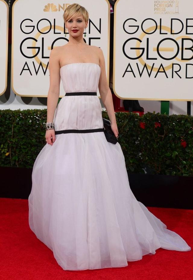 Платье от Christian Dior стало источником множества мемов, смешных и не очень