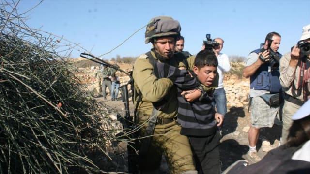 Según un informe de Defence for Children International - Palestine (DCIP), al menos 56 niños fueron asesinados por (Israel) en 2018; víctimas de francotiradores, drones y fuerzas de seguridad de la potencia ocupante. La cifra representa en promedio un asesinato por semana.El informe además registra 120 casos de niños detenidos por las fuerzas israelíes en Cisjordania, que sufrieron abusos a manos de las fuerzas de seguridad.