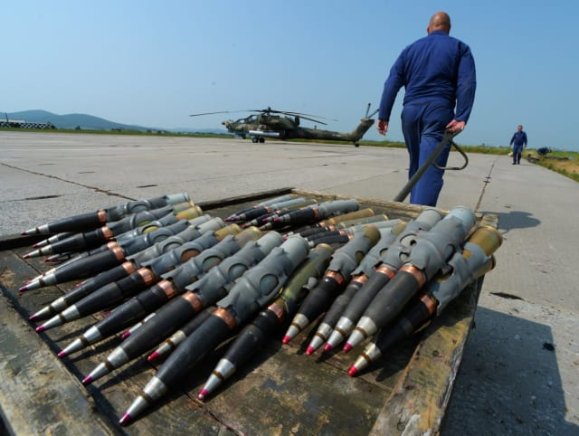 Proyectiles antitanque no guiados son solo una de las clases de armamentos que puede portar el Mi-28NM.