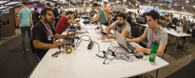 Além da parceria com o Capra Lab, para a realização Data4Good, um hackathon que busca contribuir com soluções para problemas sociais trabalhando com dados abertos, a Campus Party fechou uma parceria com a Prefeitura de São Paulo para a realização de um BIG Hackathon no qual os participantes serão desafiados a buscar soluções para problemas da cidade.
