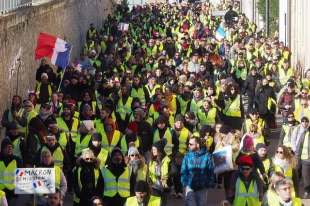 Environ 84.000 personnes ont manifesté samedi, contre 50.000 la semaine dernière en France.