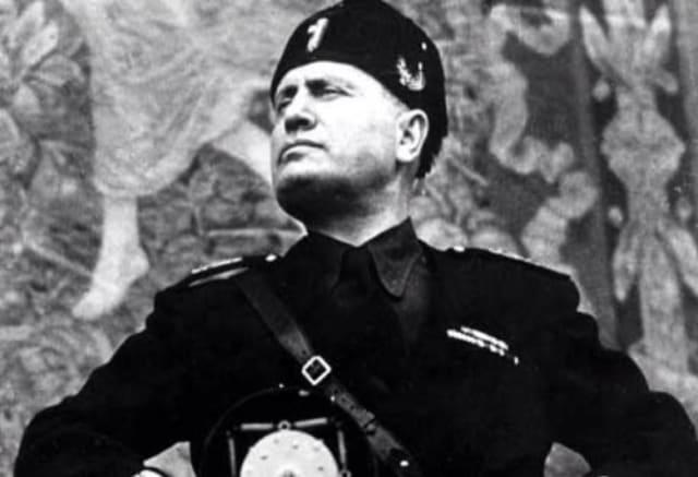 Benito Amilcare Andrea Mussolini, Duce de la República Social Italiana.-