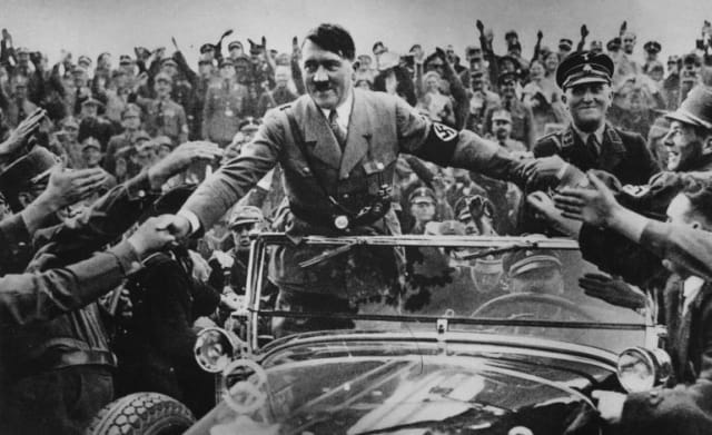 Hitler en Núremberg, Alemania; 1933.-