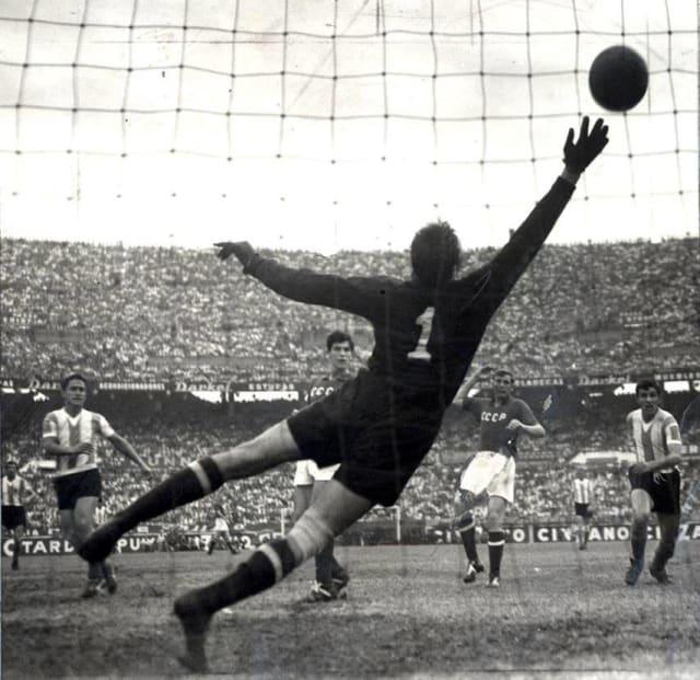 La capacidad de predecir los ataques del adversario de la 'araña negra' dejaba atónitos a los futbolistas de su época.