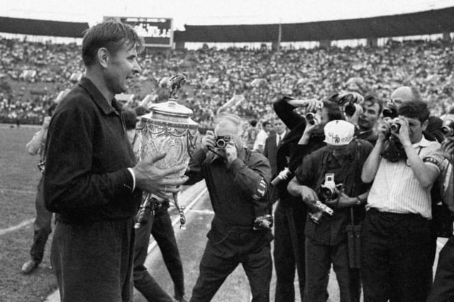 Al final, Yashin le trajo al Dinamo de Moscú un total de ocho copas y seis medallas en el Campeonato de la URSS.