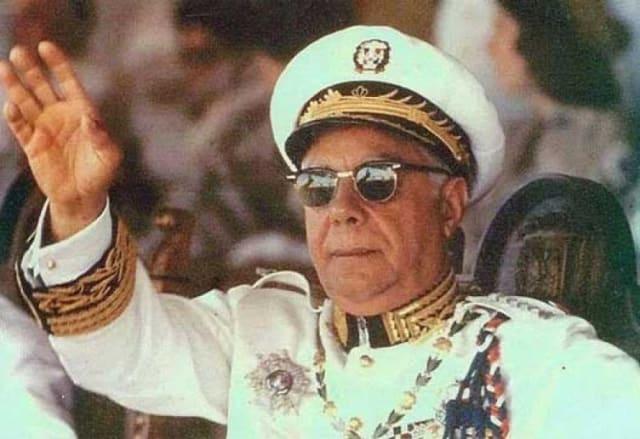 El gobierno de Trujillo se caracterizó por el anticomunismo, la represión violenta a toda la oposición dominicana y el culto a su personalidad.-