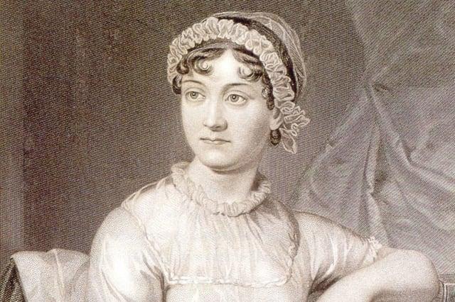 Английн алдарт риалист үргэлжилсэн үгийн зохиолч түүнийг бүх цаг үеийн хамгийн алдартай эмэгтэй зохиолчдын нэг гэдэг. Түүний зохиолууд одоо ч нэр хүндтэй байдаг. Жишээлбэл, Бардамнал ба алагчлал, Эмма, Нортангер Абби хоёр зэрэг юм. Тэрээр эмэгтэйчүүдийг зохиол бичихийг хориглодог байсан үед бүтээлүүдээ туурвиж байсан нь ирээдүйн олон зохиолчидүнэлшгүйих урам хайрласан гэгддэг.Амьд ахуй цагт нь түүний уран бүтээл түүнд багахан нэр хүнд, хэдхэн эерэг шүүмжлэлийг авчирч байв. 19-р зууны дунд үе хүртэл түүний уран бүтээл зөвхөн элитүүдийн дунд танил байв. Гэвч 1869 онд түүний ачЖейн Остины дурсамжнэртэй ном бичин түүний амьдрал уран бүтээлийг олон нийтэд дэлгэжээ.