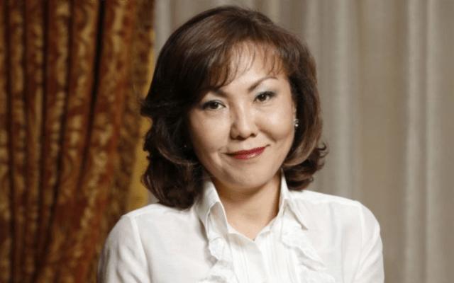 Динара – самая богатая женщина страны по версии Forbes, возглавляет ряд благотворительных фондов национального значения. Замужем за главой Национальной палаты предпринимателей Казахстана Тимуром Кулибаевым.Динара Кулибаева не является публичной личностью. В настоящее время проживает вШвейцарии.