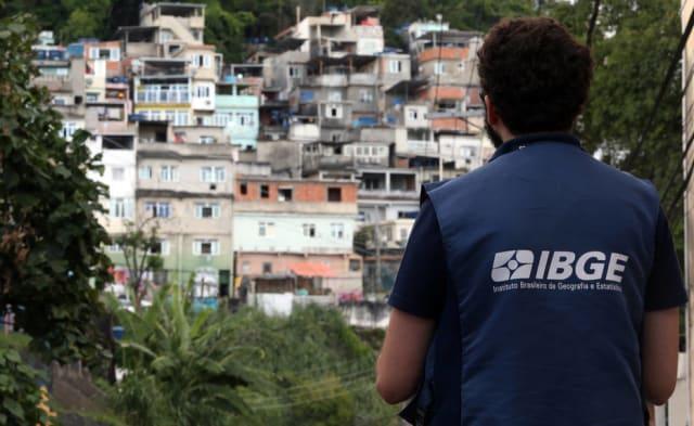 O Instituto Brasileiro de Geografia e Estatística (IBGE) está  revisando a metodologia e operação do censo demográfico previsto para ir a campo em 2020 . O objetivo é fazer o levantamento censitário caber em um orçamento 25% menor do que o calculado, com um questionário mais enxuto, informou o instituto.