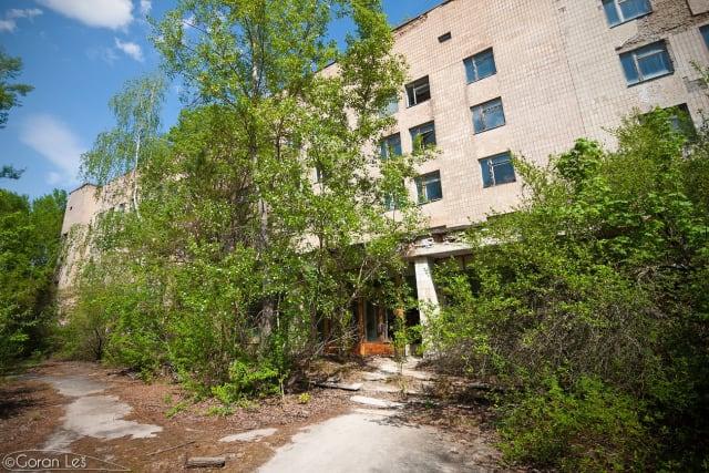 Ovdje su liječene prve žrtve nuklearne radijacije. Podrum bolnice najopasnije je mjesto u Pripyatu u kojem se danas nalazi odbačena visoko radioaktivna odjeća stotinjak vatrogasaca koji su u ovaj objekt dovedeni jutro nakon eksplozije reaktora.