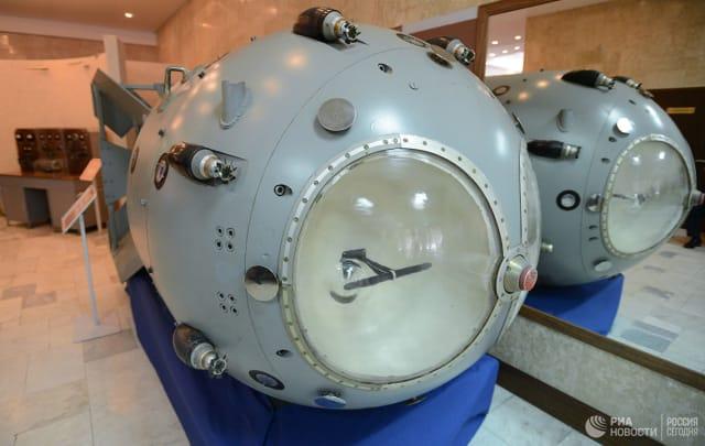 Πρώτη σοβιετική ατομική βόμβα RDS-1 στο μουσείο του Ρωσικού Ομοσπονδιακού Κέντρου Πυρηνικής Φυσικής – Ινστιτούτου Πειραματικής Φυσικής © Sputnik / Σεργέι Μάμοντοφ
